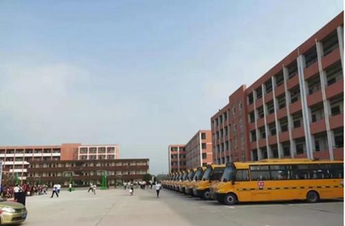 26辆上饶校车服务安徽交运,护航学童安全