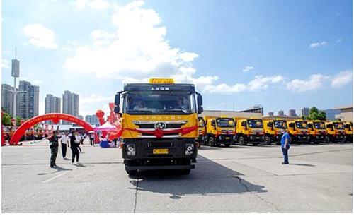 安全、智能、环保,100辆红岩杰狮C500渣土车交付温州客户